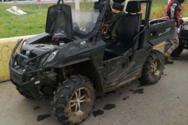 В Тюмени инспекторы в подземном переходе остановили пять квадроциклов
