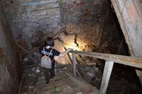 Поиски пропавших людей - это чаще всего подвалы, заброшенные дома или лес.
