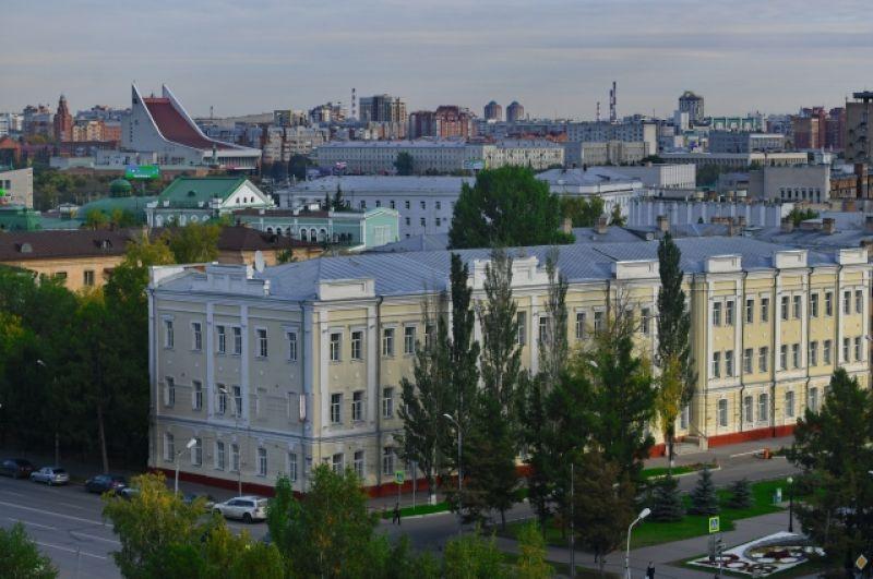 Вид на здание института повышения квалификации работников образования. Раньше в нём располагалась гимназия № 19.
