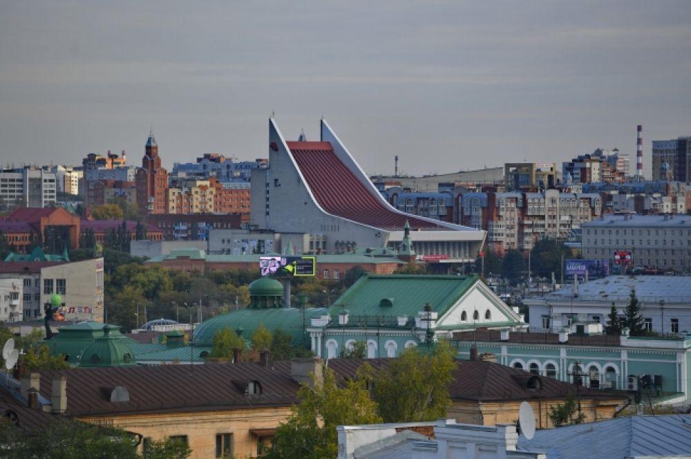 Вид на Омский музыкальный театр.