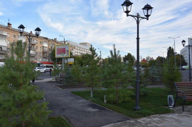 В Оренбурге в сквере им. Ростроповича высадили 200 сосен и елей.