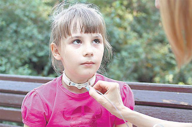 Папа мечтал, чтобы Варя занималась танцами. Пока же она зачастую даже не может выйти из дома.