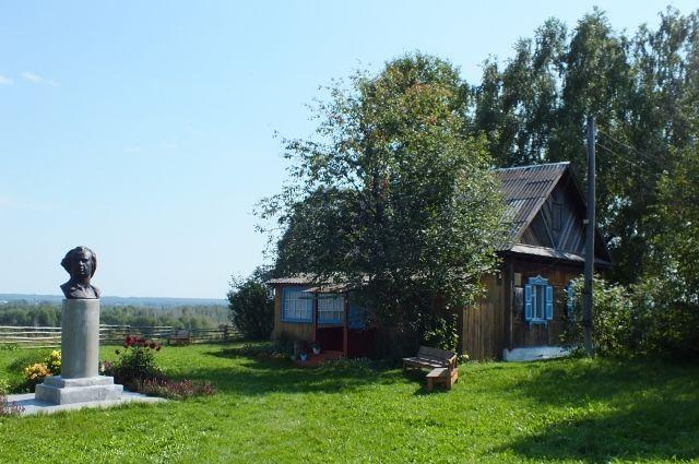 Домик в деревне всегда вдохновлял поэта Василия Фёдорова.