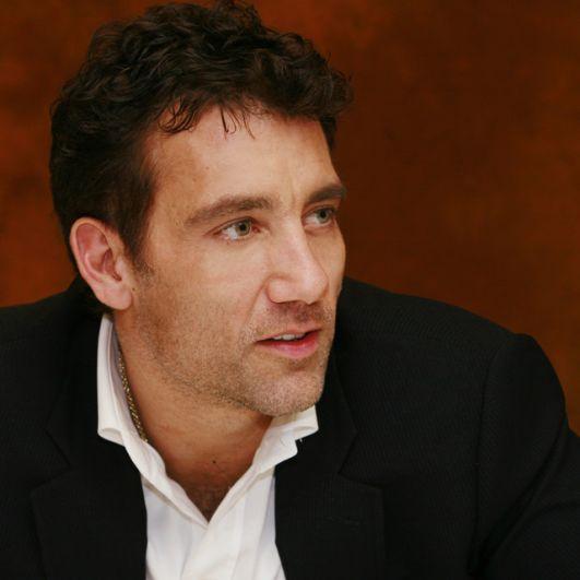 Клайв Оуэн. Опрос, проводившийся в Великобритании в 2005 году показал, что Оуэна считали единственной кандидатурой для съемок в новом фильме о Бонде. Однако актер не сошелся с продюсерами в вопросе гонорара.