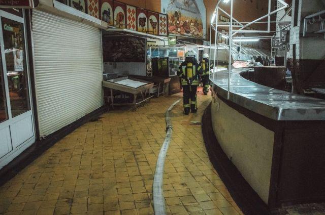 В центре Киева загорелся Бессарабский рынок