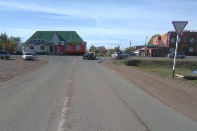 В Сорочинске в ДТП пострадала 76-летняя пенсионерка.