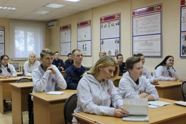 Курс теоретической и практической подготовки рассчитан на 36 часов.