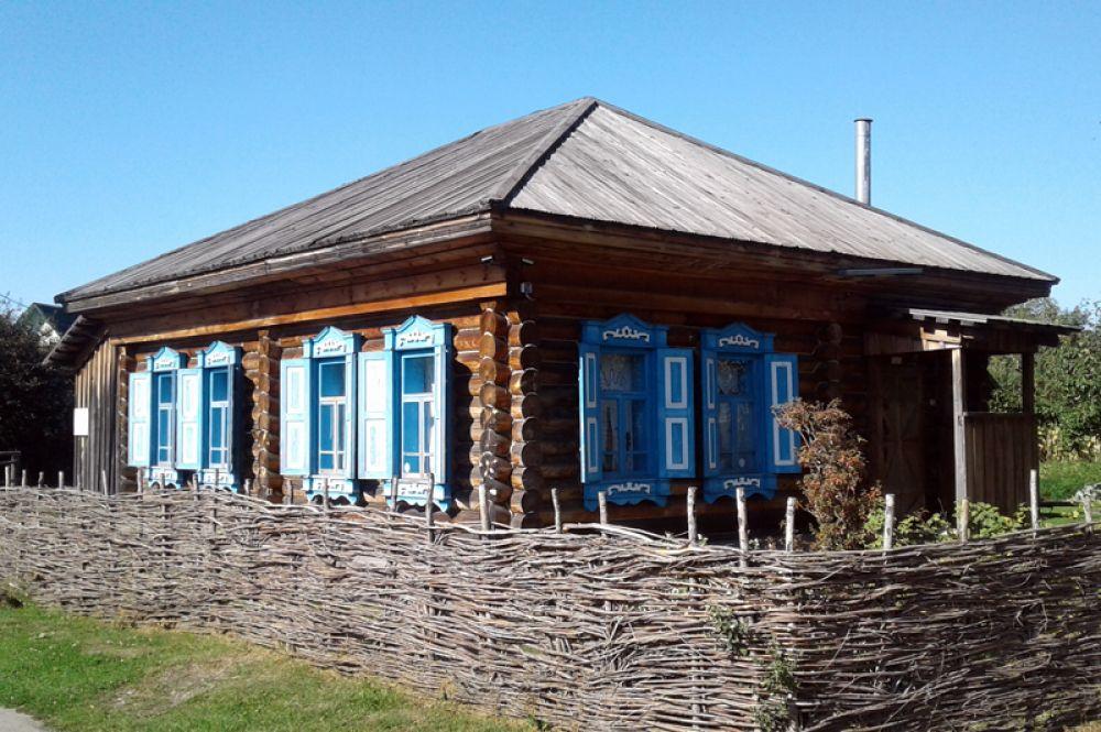 Дом, где провел детство Василий Шукшин, в селе Сростки.