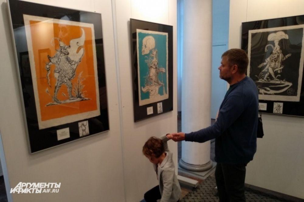 Эти работы приехали в Калининград из Санкт – Петербургской галереи современного искусства.