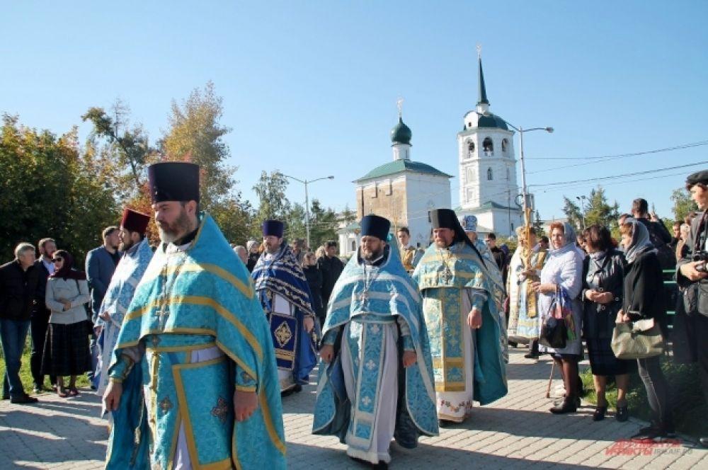 Участие в торжественном мероприятии приняли священники Иркутска.
