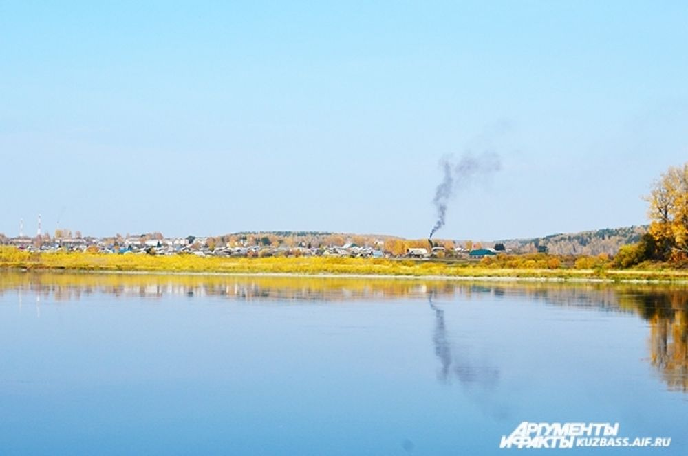 Побережье Томи с перепадами высот в сотню метров за тысячи лет исхожено вдоль и поперёк. И сегодня люди продолжают жить там, где ходили сибиряки каменного века.