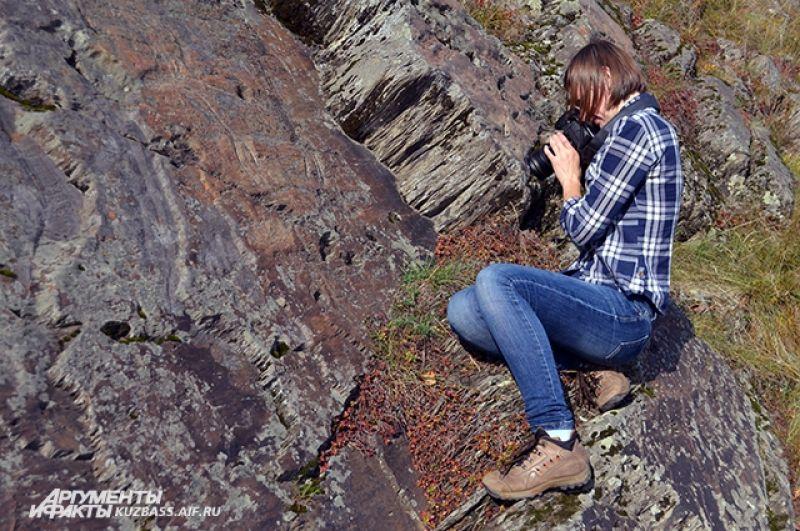 Новоромановская писаница открыта сравнительно недавно. Её изучением кузбасские учёные занимаются всего около 55 лет. Археологам десятилетия назад о рисунках на скалах напротив деревни Новороманово рассказали местные жители.