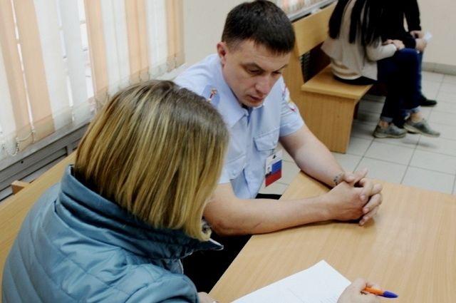 Жительница Железногорска была уверена, что общается с подругой и отправила ей банковские реквизиты