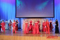 Для первого этапа конкурса пермские модельеры создали эксклюзивные вечерние платья.