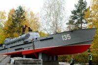 В Тюмень доставили макет торпедного катера