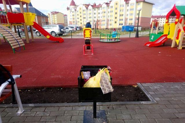 Салехардцы буквально за месяц завалили мусором новые площадки и парки