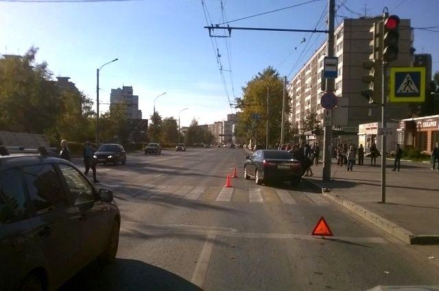 На проспекте Парковом автомобиль сбил трёхлетнего мальчика.