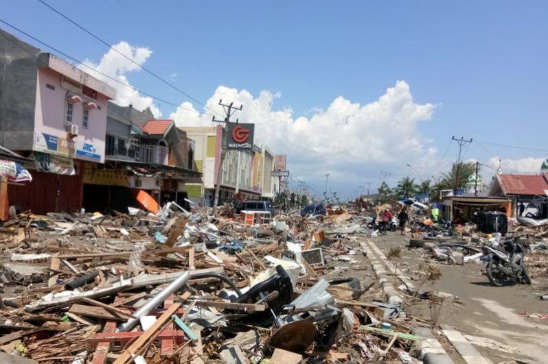 Улицы Палу после землетрясения.