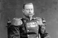 Вице-адмирал особо «жаловал» красную Россию и уехал в эмиграцию.