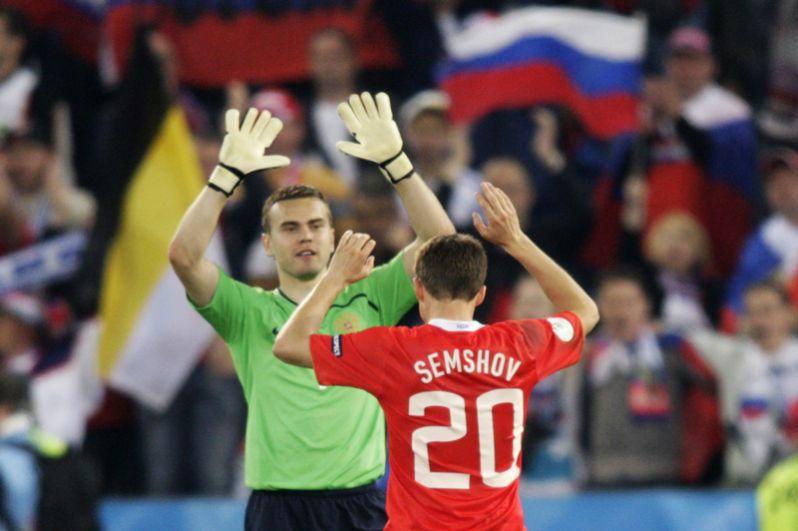 Евро-2008. Три матча – Россия – Греция (1:0), Россия – Швеция (2:0), Россия – Нидерланды (3:1).