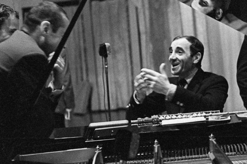 Шарль Азнавур на репетиции. 1964 год.