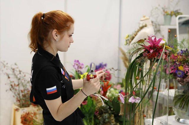 Елизавета Шкимбова - «серебро» в компетенции «Флористика».