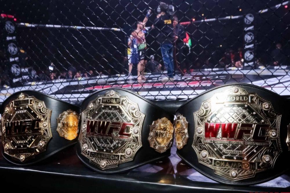Три чемпионских пояса, за которые сражались в субботу на арене Дворца спорта.