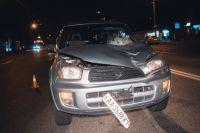 В Киеве, на жилом массиве Троещена произошла смертельная авария с участием джипа и пешехода.