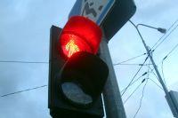 В Тюмени водитель устроил ДТП, проехав на красный сигнал светофора