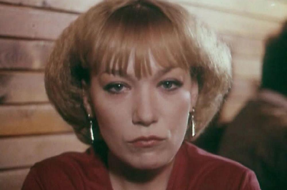 «Инспектор Лосев» (1982) — Елена Златова, лейтенант милиции.