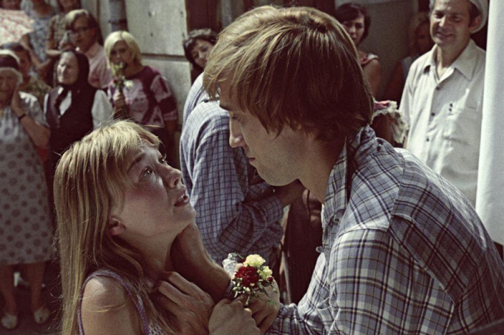 «Романс о влюблённых» (1974) — Таня, возлюбленная Сергея Никитина.