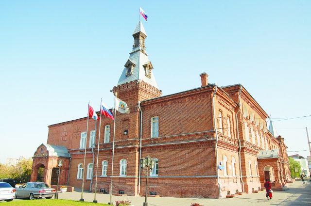 Историческое здание горсовета стало символом преемственности власти.