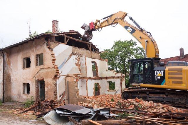Салехардцы говорили с градоначальником о переселении из аварийного жилья