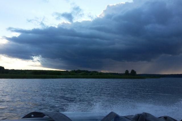 В день, когда произошло ЧП, на реке был сильный ветер.