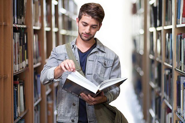 Сегодняшние студенты большую часть времени занимаются самостоятельно.