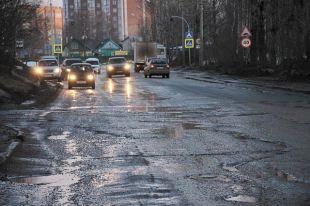 Рейтинг «убитых» дорог возглавила дорога на Дырносские дачи в Сыктывкаре.