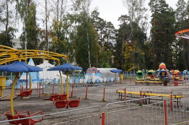 Пустующие детские площадки— привычная картина сегодняшнего дня.