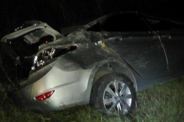 Около 22.00 на шестом километре автодороги Вавож – Жуё водитель Hyundai вылетел в кювет и перевернулся.