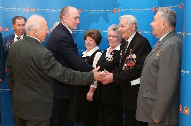 Глава региона регулярно встречается с представителями старшего поколения.