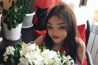 В Youtube Лилия размещает размещает ролики под ником Лили Ло.
