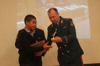 В Оренбуржье шестиклассника наградили медалью за спасение семьи на пожаре