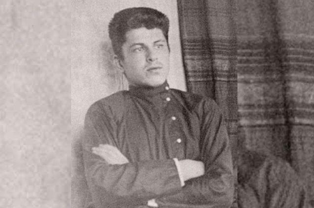 Гимназист Вениамин Булгаков в детстве всегда допытывался у старших братьев, каково им пришлось на уроках.