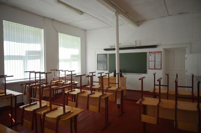 Обе школы в поселке Кез переполнены почти в два раза.