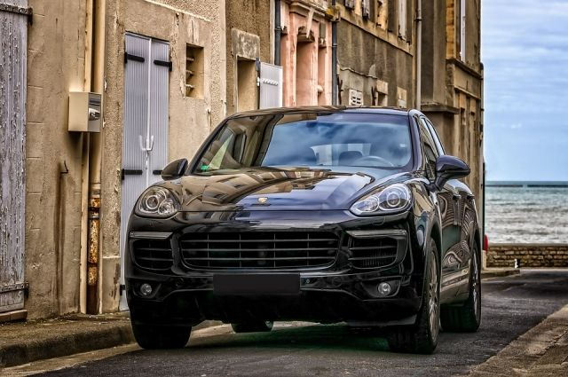 В Тюмени суд вынес приговор похитителям фар с Porsche Cayenne