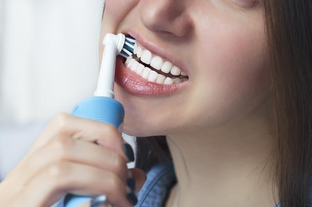 Есть ли вред от электрической зубной щётки?
