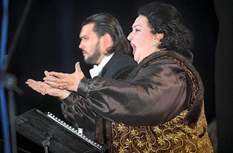 Оперная певица Монсеррат Кабалье во время выступления в Москве. 2000 г.