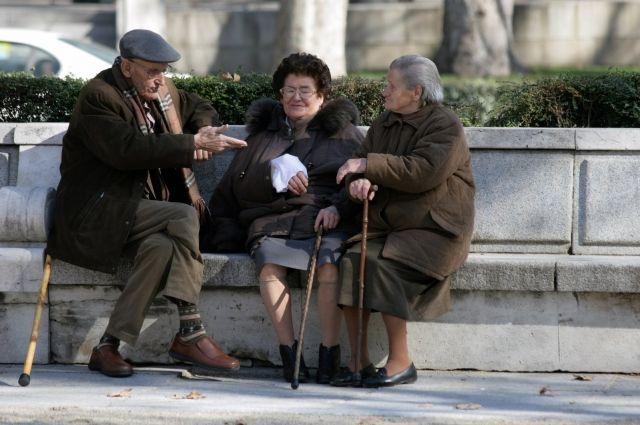 Пенсионеры поселка Богандинский помогают неблагополучным семьям