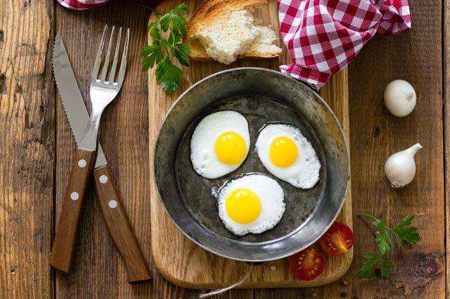 Яичница глазунья – 12 необычных рецептов