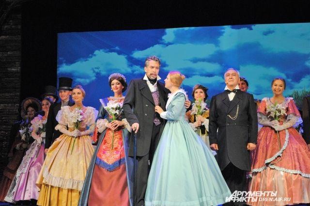 В Оренбурге «Джейн Эйр» открыла 83 театральный сезон в театре музкомедии.