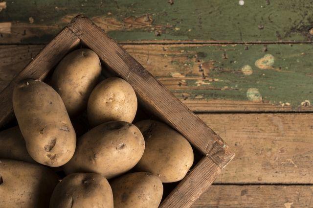 В селе Омутинское продавец картошки в Интернете лишилась 15 тысяч рублей